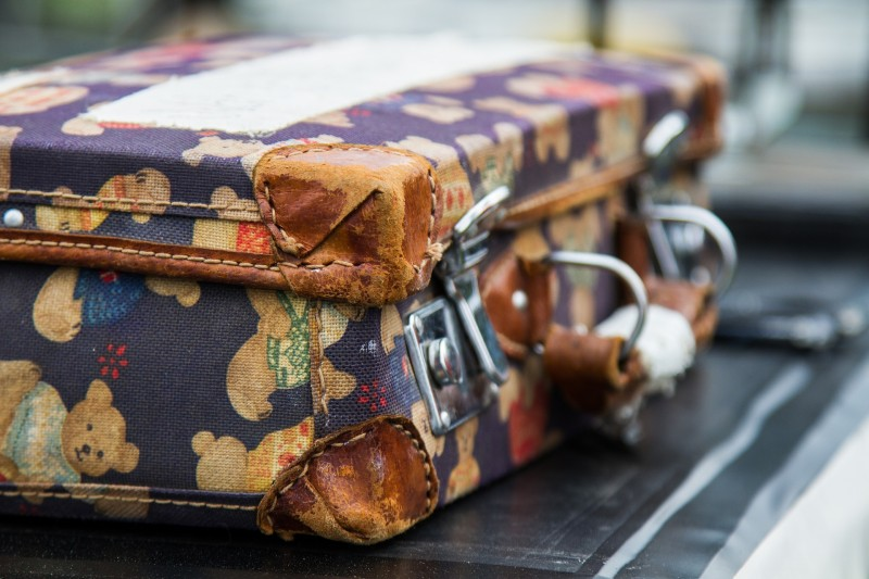 Kufr textilní nebo plastový - jaký si zvolit?