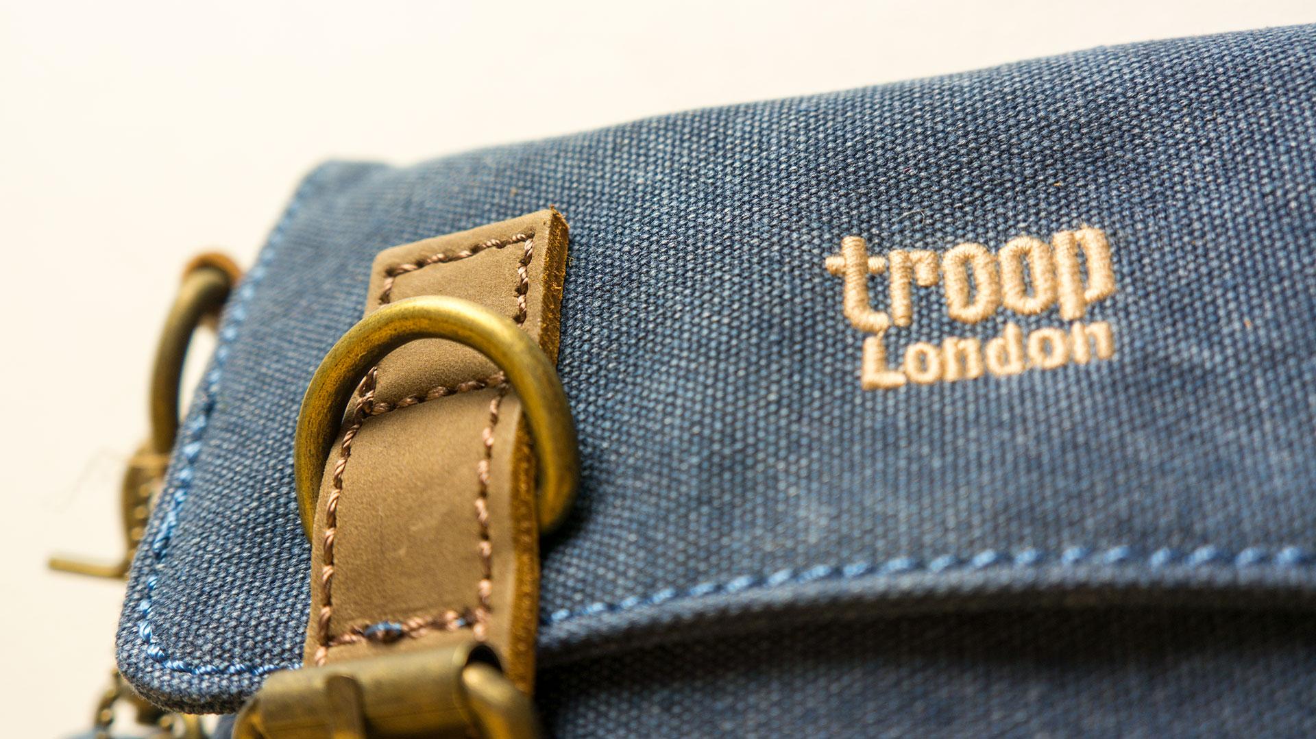 Troop London - Rozšířitelná brašnička přes rameno